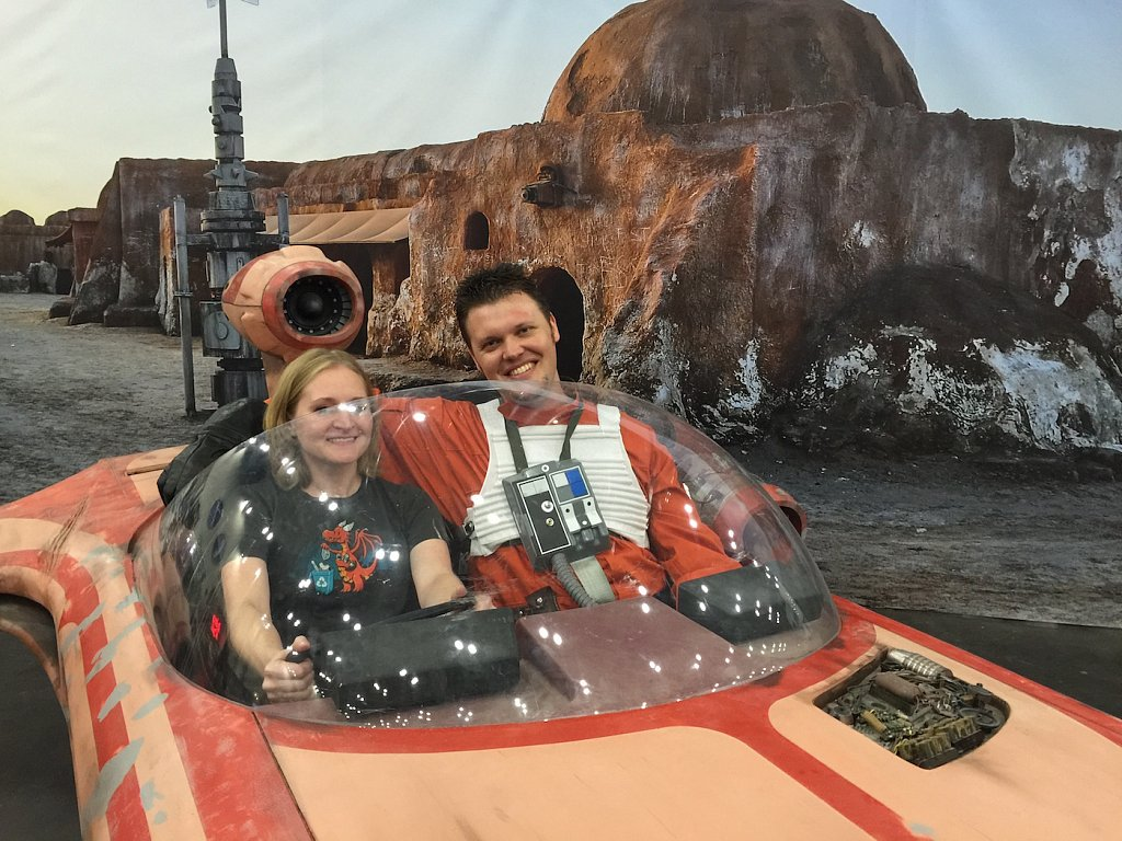 Michelle and I got to meet one of our fellow theRPF members who scratch-built this version of Luke's landspeeder.